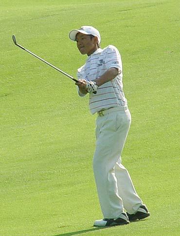 图文-业余巡回赛总决赛次轮叶剑峰进攻果岭