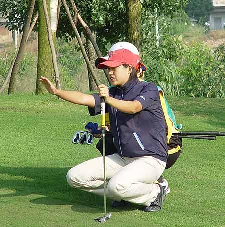 图文-中国业余巡回赛决赛轮赛场搭档配合默契