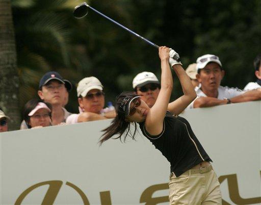 图文-凌志杯次日国际不败日本姑娘奋力发挥