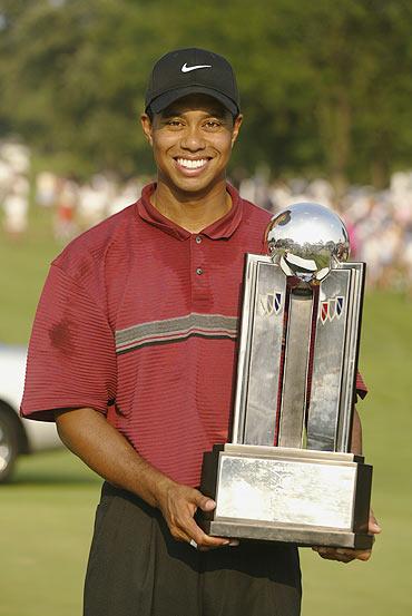 图文-伍兹2002美巡赛夺冠时刻别克公开赛获胜