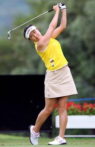 图文-[高尔夫]女子世界杯赛开杆宋宝培英姿矫健