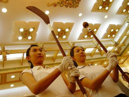 图文-中国捶丸复原艺术品观摩会现场比较了解特性