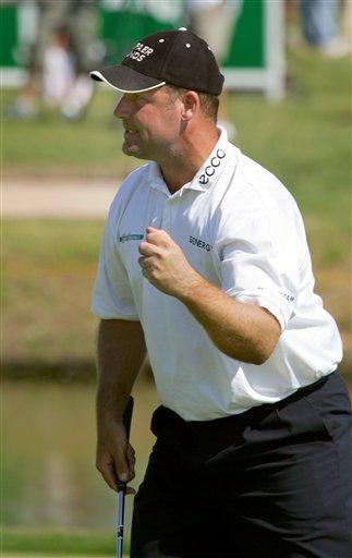 图文-法国高尔夫公开赛收杆比克顿赢第二个冠军