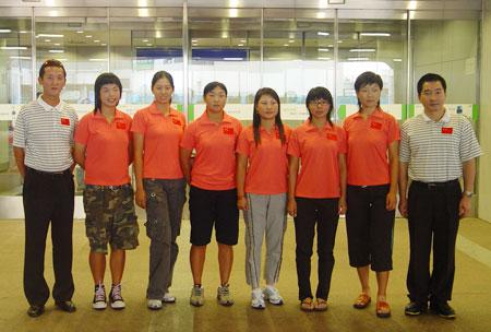 图文-亚运集训队赴橡树谷训练女队队员与两位教练