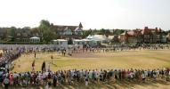 图文-英国公开赛第三轮花絮赶早场观众看森顿