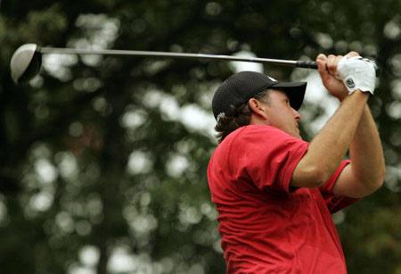 图文-美国PGA锦标赛第二轮菲尔开球麻烦不断