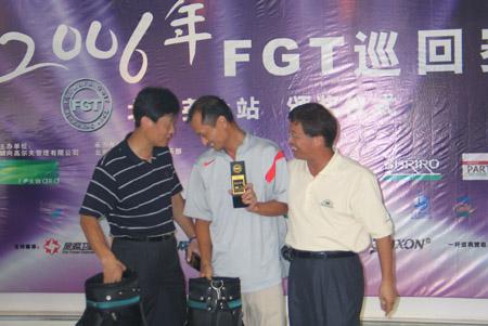 图文-FGT巡回赛北京尧上站会员组总净杆季军