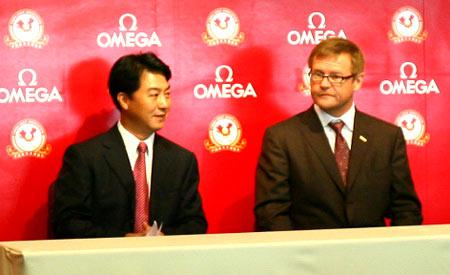 图文-中巡赛上海站即将开杆张小宁与欧米茄总裁