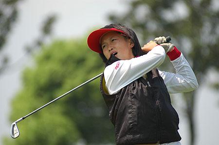 图文-业巡赛双山高尔夫站黎佳韵铁杆开球