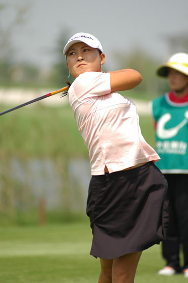 图文-业巡赛双山高尔夫站杨涛丽暂列第三