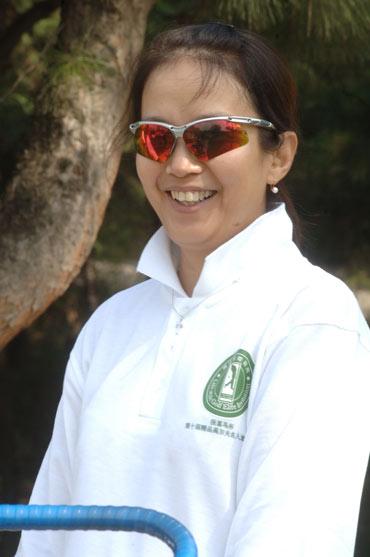 图文-精品名人邀请赛开杆著名演员吕丽萍