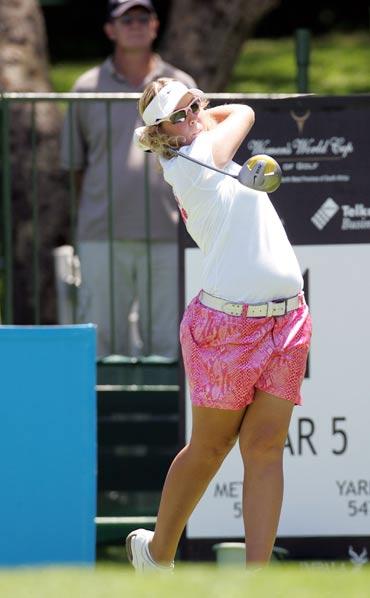图文-女子高尔夫世界杯开杆南非球员阿什蕾