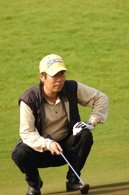 图文-2007中国业巡赛揭幕中信朝向陈朝行