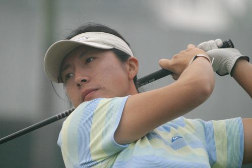 图文-美的女子精英赛第二轮王纯捍卫领先位置