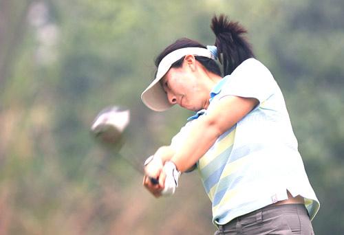 图文-美的女子精英赛第二轮王纯今天进展不顺利