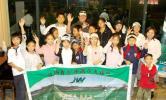 图文-IJGA金牌教练加里到访学员与加里合影留念