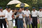 图文-老兵杯公益高尔夫邀请赛领导主持开杆仪式