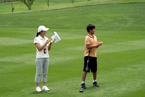 图文-中信青少年赛华北区为精彩一球鼓掌