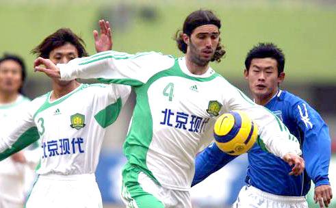 御林军新阵未能改写纪录北京现代客场0-0平青岛