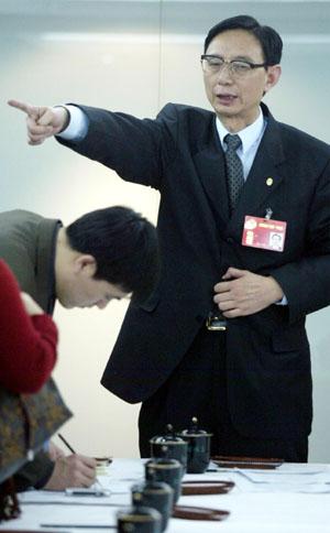 尹明善:欣赏一代枭雄徐明但革命轮不到他领头