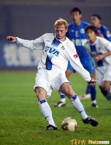 图文-[中超]沈阳金德1-1上海申花铁锤点球扳平比分