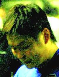泪在飞心在碎输掉生死战只有外乡人姚夏在落泪(图)