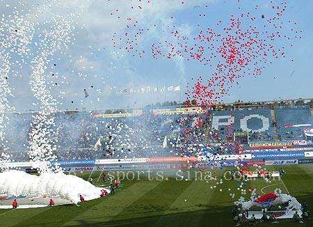 图文-[A3]浦项制铁VS横滨马里诺斯开幕式腾飞的气球
