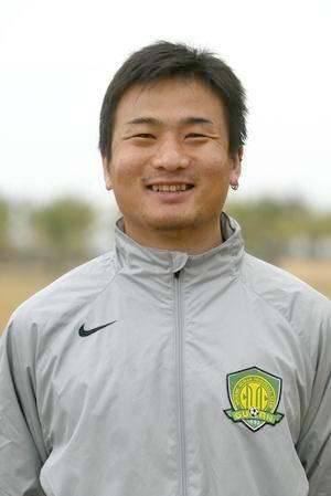 资料图片-中超北京现代队队员照片前卫杨璞