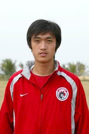 资料图片 中超辽宁中誉队队员照片 后卫吴高俊