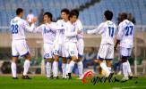 图文-[中超]上海国际2-2天津泰达客队赛后击节相庆