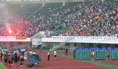 图文-中超杯决赛首场深圳1-1武汉现场秩序略显混乱
