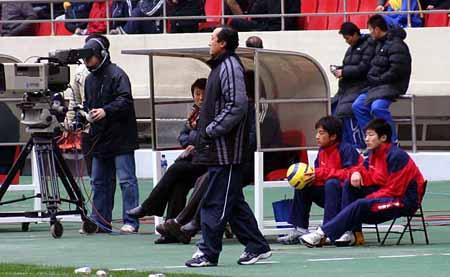 图文-[中超]上海申花0-0长春亚泰陈金刚略感担忧