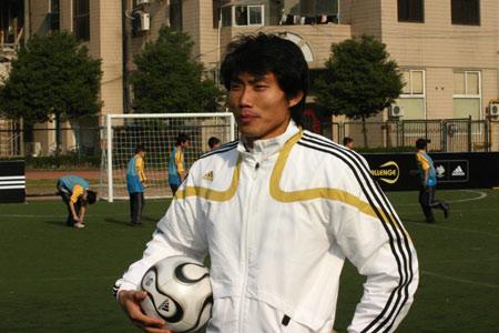 图文-郑智去德国踢自己的世界杯郑智摆造型