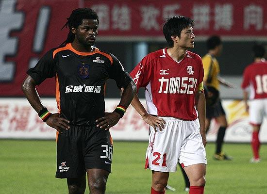 图文-[中超]深圳0-0平重庆丹尼尔和魏新都不满意