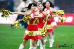 图文-07中超联赛开幕式红衣美女热情起舞