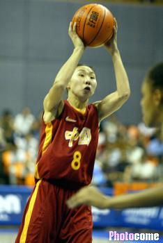 2002年9月14日,第14届世界女篮锦标赛:中国VS巴西比赛正在进行...图片 14276 234x350