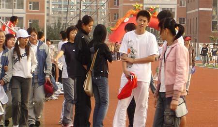 高中男篮联赛人物专访刘晓宇:我眼前没有失败