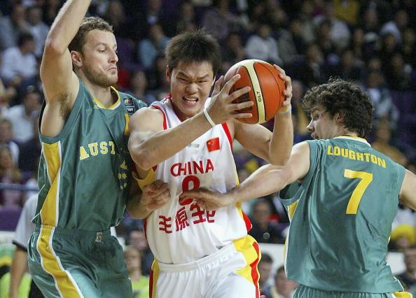 中国男篮再遭澳大利亚痛击小李飞刀入选最佳阵容
