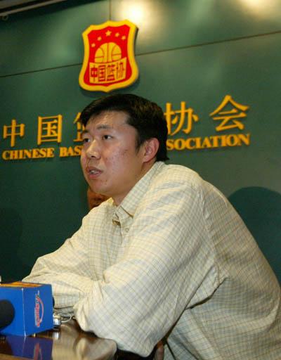 姚明因伤无缘中国队18人名单王治郅四年后再入选