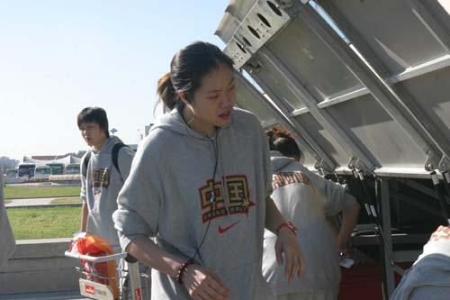 图文-[世锦赛]中国女篮返回北京行李找不到了?