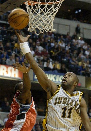 图文-[NBA]山猫77-82步行者廷斯利上篮一手遮天