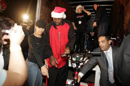图文-NBA群星欢欢喜喜迎圣诞奥尼尔夫妇如影随形
