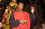 图文-NBA群星欢欢喜喜迎圣诞大鲨鱼准备献上一曲
