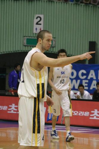 图文-中韩男篮明星赛中国告负克里斯又见故人