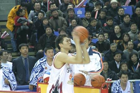 图文-中韩对抗赛再决三分王朱芳雨蓄势待发