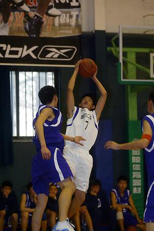 从中国最好走向亚洲最好锐步高中篮球联赛开赛