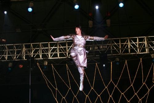 图文-[CBA]全明星赛开幕式玄妙轻功满天飞舞