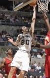 图文-[NBA]老鹰95-111马刺吉诺比利舔篮得分