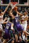 图文-[NBA]骑士98-81雄鹿古登给帕楚利亚一大帽