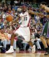 图文-[NBA]骑士98-81雄鹿詹姆斯露出苦瓜脸